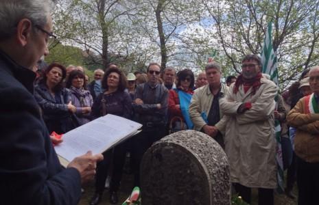 Festa della liberazione corone d 39 alloro e commemorazione for Monte alloro affitti di cabina