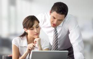 uomo e donna computer