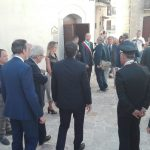 Ore 16.30. Il premier Matteo Renzi da poco è atterrato con l'elicottero in Molise per […]
