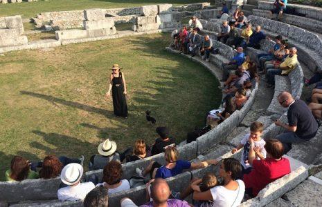 Share: Iniziativa particolare quella che è stata realizzata nel Teatro Sannita di Pietrabbondante. L'attrice Adriana […]