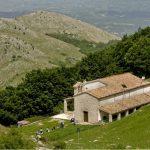 Villalago (a destra) è il primo comune abruzzese ad aver aderito al circuito turistico religioso […]