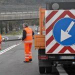 Ore 16.20. Un camion, per cause in corso di accertamento, è andatofuori strada, finendo nella […]