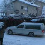 Anche i defunti pagano il loro prezzo a causa della tormenta di neve che ha […]