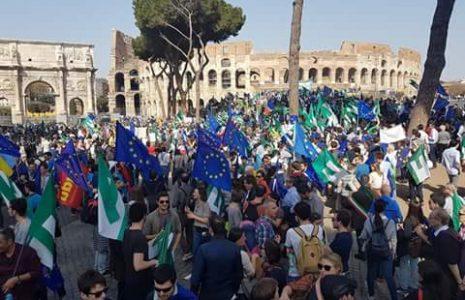 Share: Sabato 25 marzo Roma è diventata la capitale d'Europa. Oltre 10.000 persone hanno partecipato […]