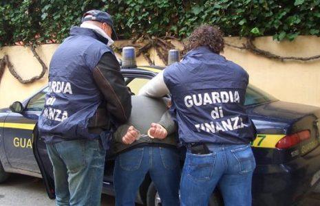 Share: La Guardia di Finanza ha stroncato un traffico di sostanze stupefacenti, procedendo al sequestro […]