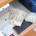 Quando l'uomo si è accorto che all'appello mancavano diverse centinaia di euro per un momento […]